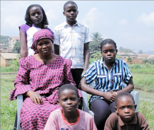 Congolese refugee Esperance Ndozi and her 5 children