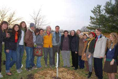 t1200-Donovan, Greg Reitman, and students at tree planting ceremony