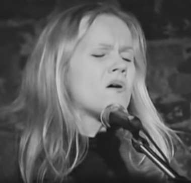 Eva Cassidy sings Over The Rainbow at Blues Alley, Georgetown, DC, January 3, 1996